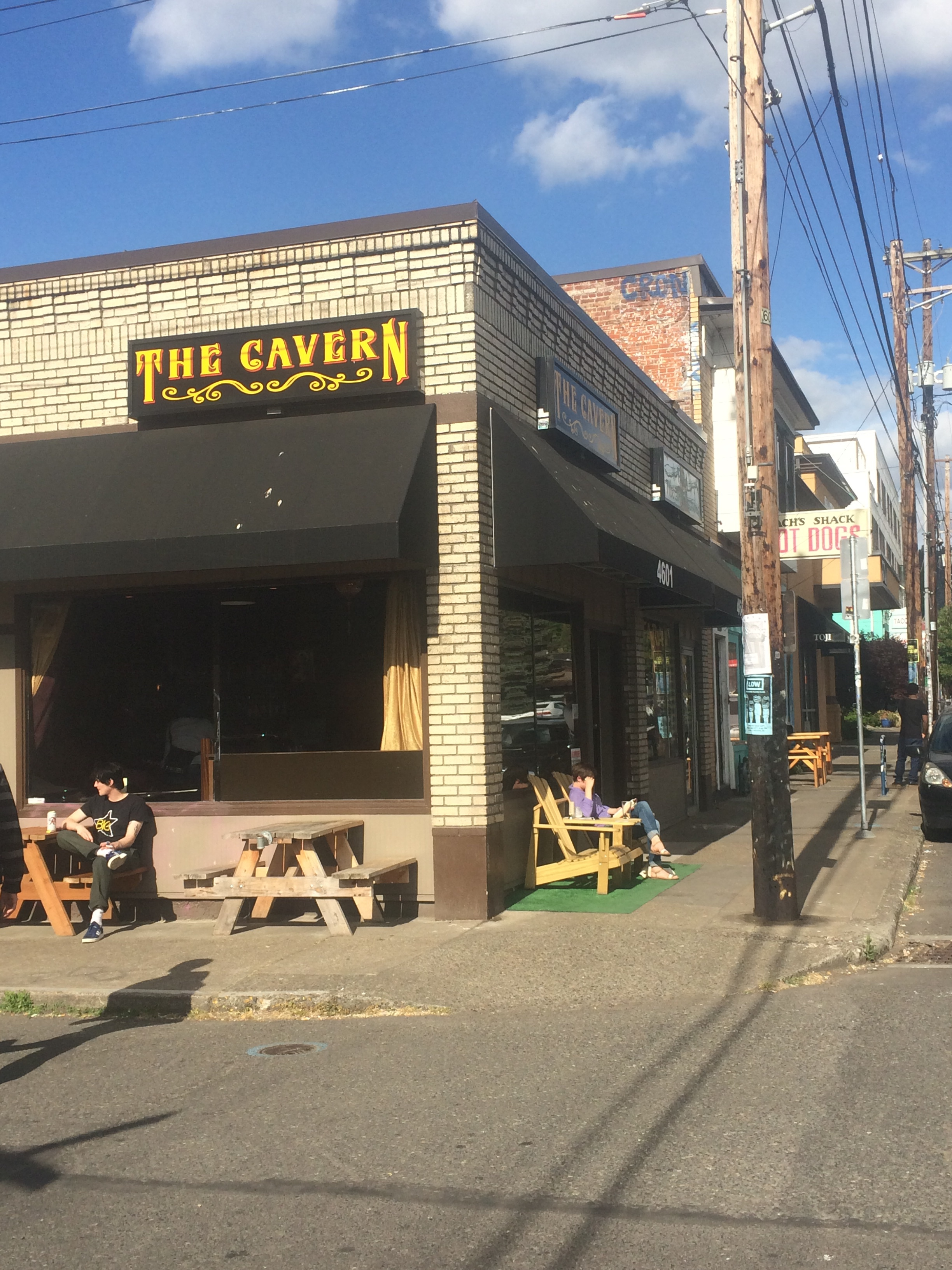Exterior shot of The Cavern Bar on SE Hawthorne Blvd